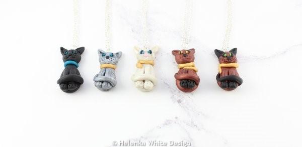 Sculpted sitting cat pendants